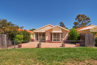 7/7 Grounds Crescent