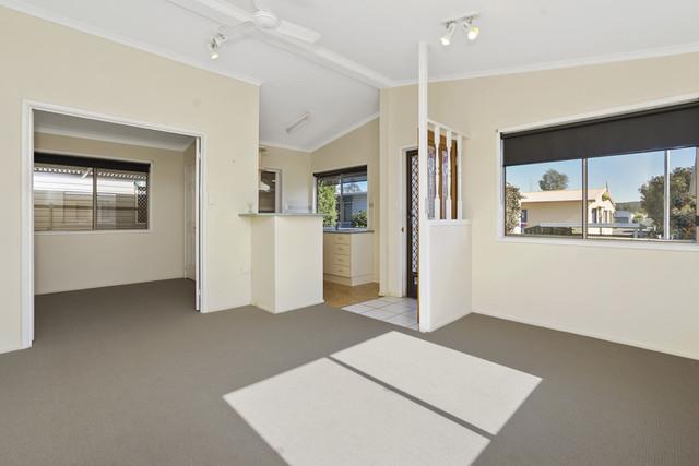 18/4 Gimberts Road, Morisset NSW 2264