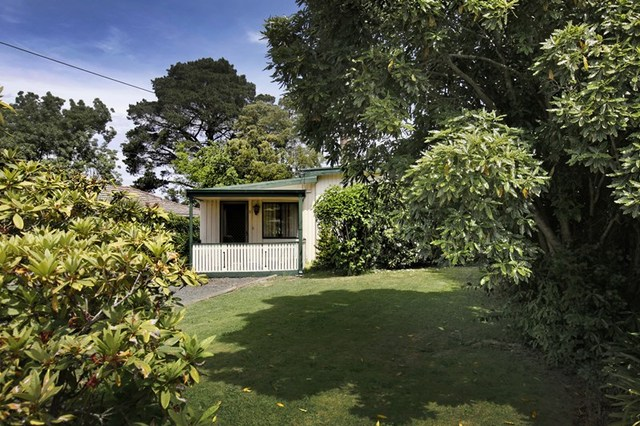2 Russell Avenue, Woodend VIC 3442