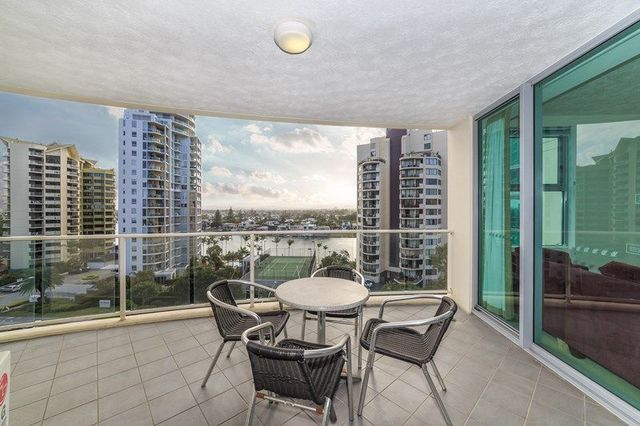 702/2893 'Mantra Wings' Gold Coast Hwy (Ent 18 Fern St), Surfers Paradise QLD 4217