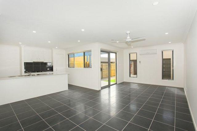 15 Henning Crescent, Meridan Plains QLD 4551