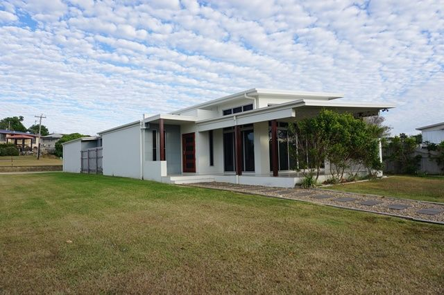 5 Owen Jenkins Drive, Sarina Beach QLD 4737