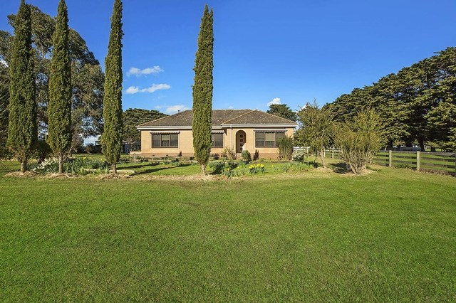 6 Chisletts Road, Allansford VIC 3277