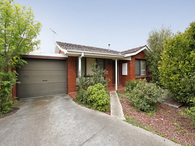 13/31-33 Deutgam Street, Werribee VIC 3030