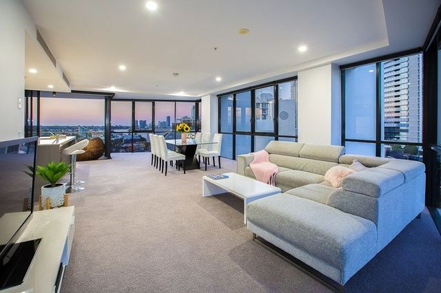 1006/4 Wahroonga Place, Surfers Paradise QLD 4217