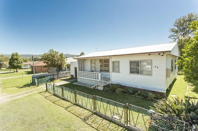 35 William Street, Holmesville NSW 2286