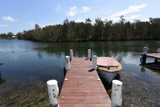 1 Lagoon Cres