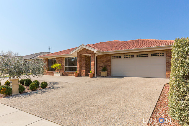 13 William Webb Drive, Mckellar ACT 2617