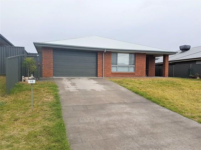 15 Barber St, Kootingal NSW 2352