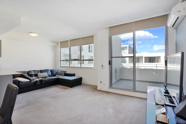 702/19 Hill Road, Wentworth Point NSW 2127