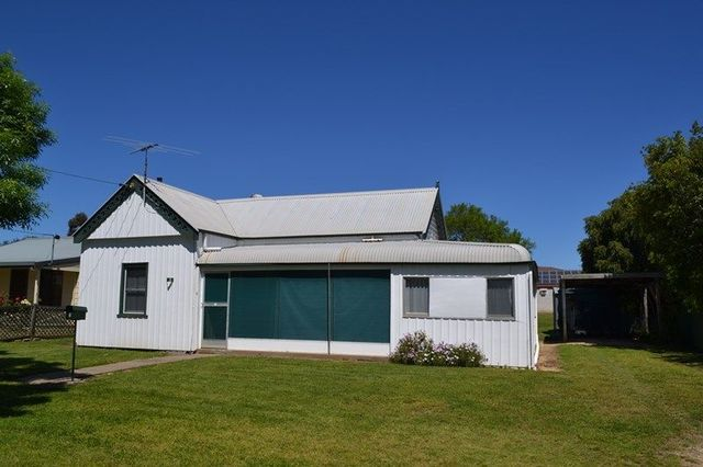 5 Chester Street, Inverell NSW 2360