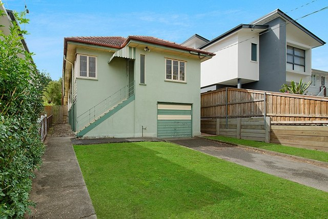 27 Vale Street, Wavell Heights QLD 4012