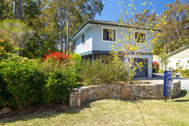 16 Annetts Parade, Mossy Point NSW 2537