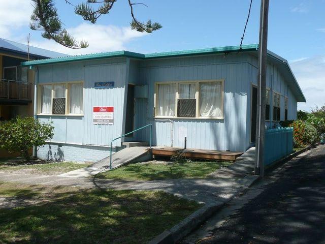 Twin Dolphins 2/18 Clarence  Street, Yamba NSW 2464