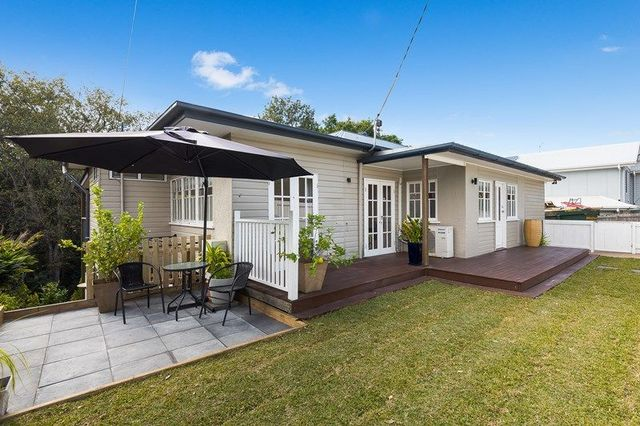 14 Hartfield Drive, Bardon QLD 4065