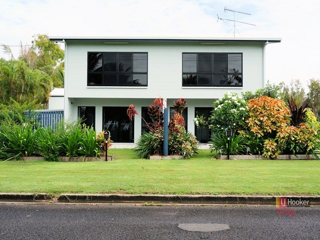 1/117 Taylor Street, Tully Heads QLD 4854