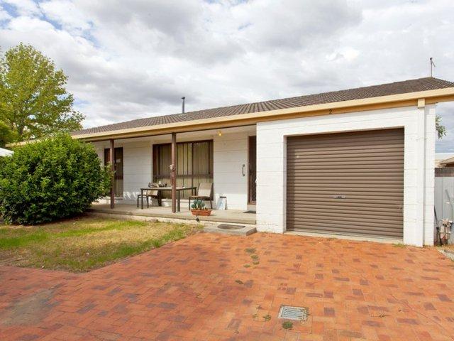 2/473 Henderson Street, Lavington NSW 2641