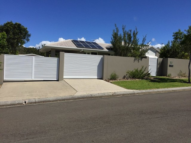 4 Ninderry Close, Battery Hill QLD 4551