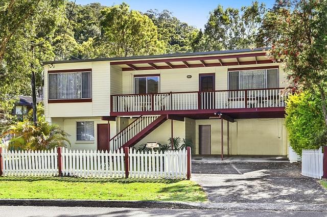 8 Murrumbooee Place, Tascott NSW 2250