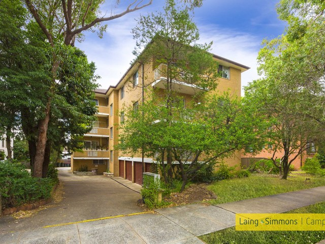 4/52 Hampton Court Road, Carlton NSW 2218
