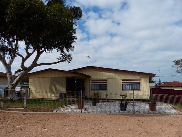2 Chadwick Street, Ceduna SA 5690