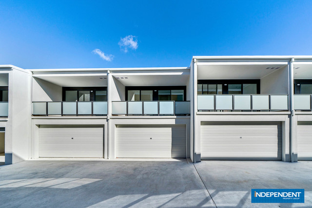 LUXE - 3 Bedroom Townhouse, ACT 2617