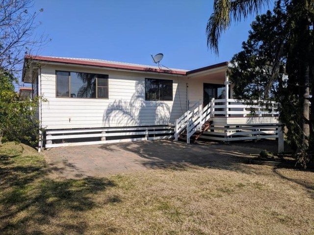 15 Carlow Drive, Dalby QLD 4405