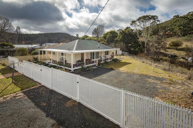 31 Kurrajong Street, Captains Flat NSW 2623