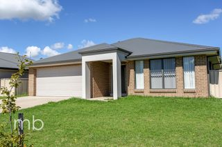 33 Robinson Court Orange NSW 2800