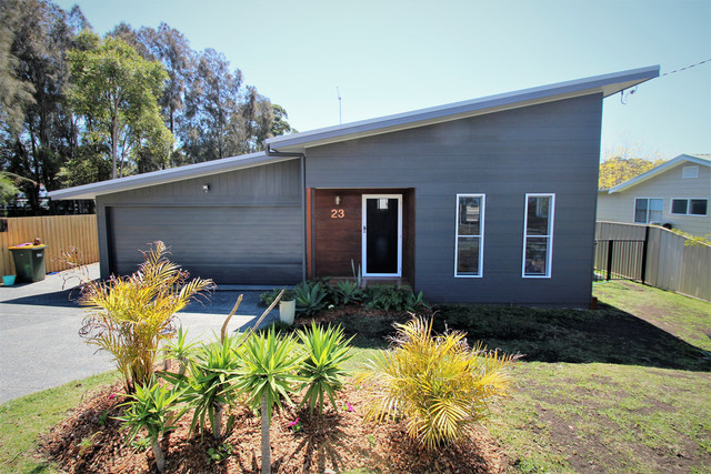 23 Wangaree Street, Coomba Park NSW 2428