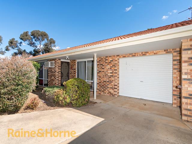 2/21 Incarnie Crescent, NSW 2650
