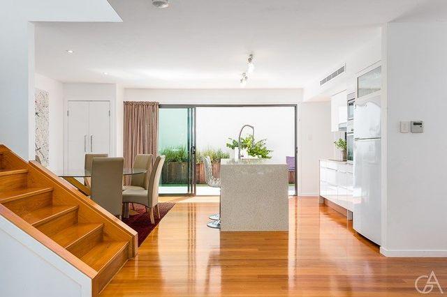 11 Lock Street, QLD 4059