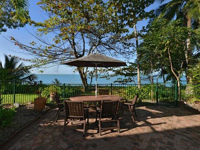54 Hibiscus Lane, Holloways Beach QLD 4878