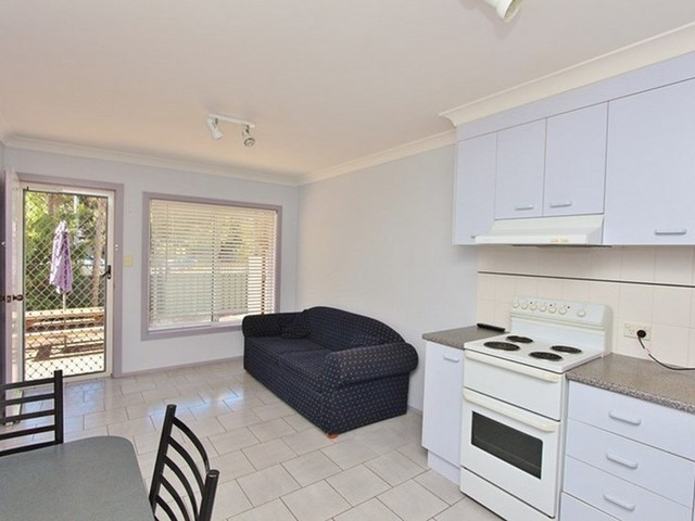 2/1 Edith Street, North Haven NSW 2443