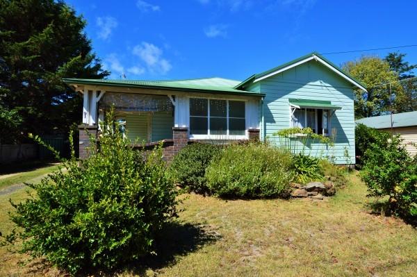 91 Malpas Street, Guyra NSW 2365