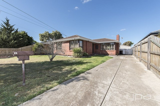 32 Scott Street, Melton VIC 3337