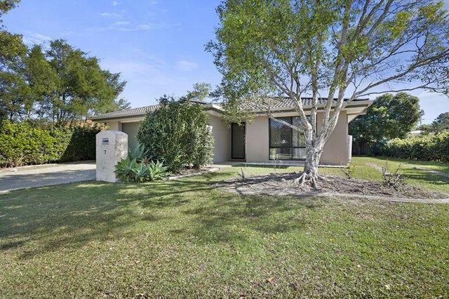 7 Sands Avenue, Noosaville QLD 4566