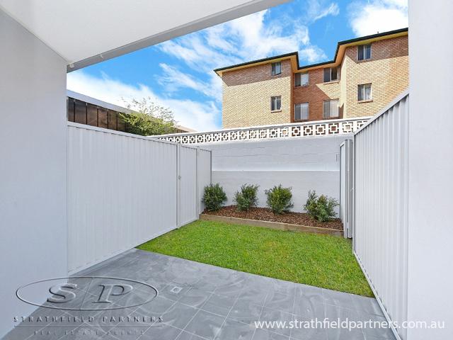 4/10-12 Roberts Road, NSW 2135