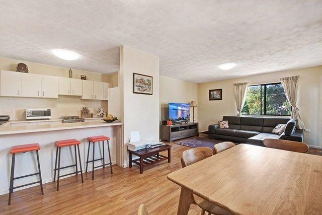 1/35 Hawthorne Street, Woody Point QLD 4019