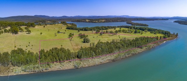 5811/null Rose Point Road, Coomba Park NSW 2428