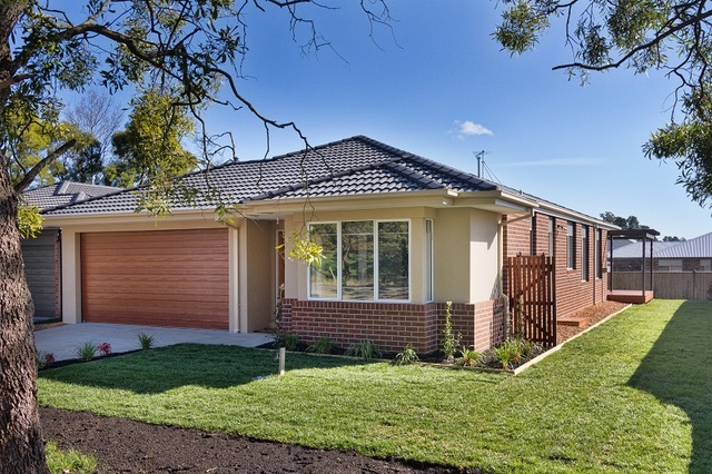35 South Road, Woodend VIC 3442