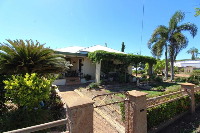 14 Mullan Street, Mount Isa QLD 4825
