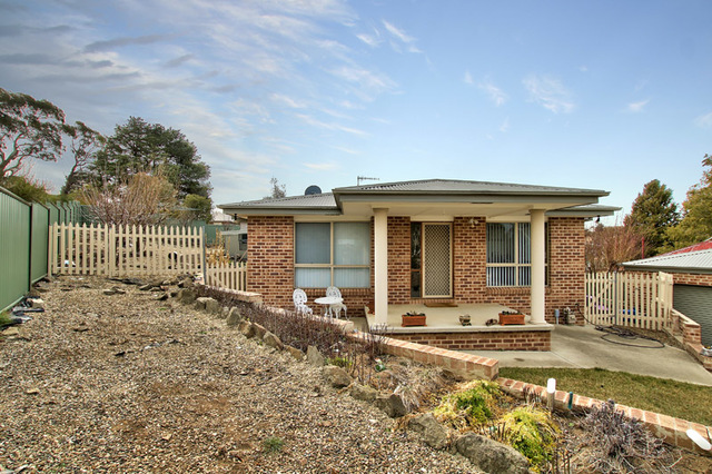 12 Alkoomi Place, Cooma NSW 2630