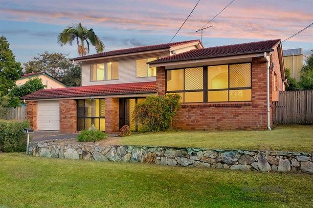 66 Grout Street, Macgregor QLD 4109
