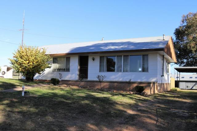 170 Chums Lane, Young NSW 2594