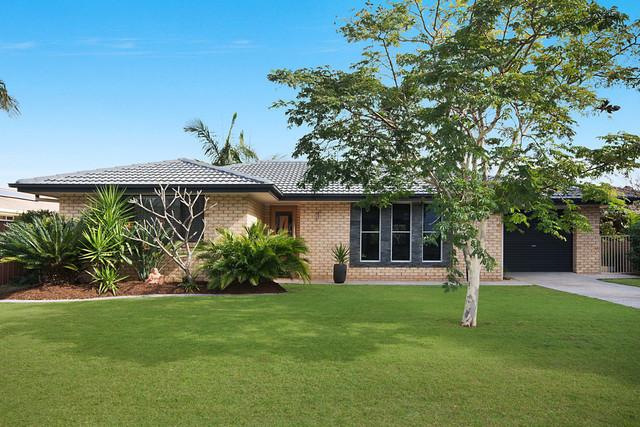 15 The Peninsula, Yamba NSW 2464