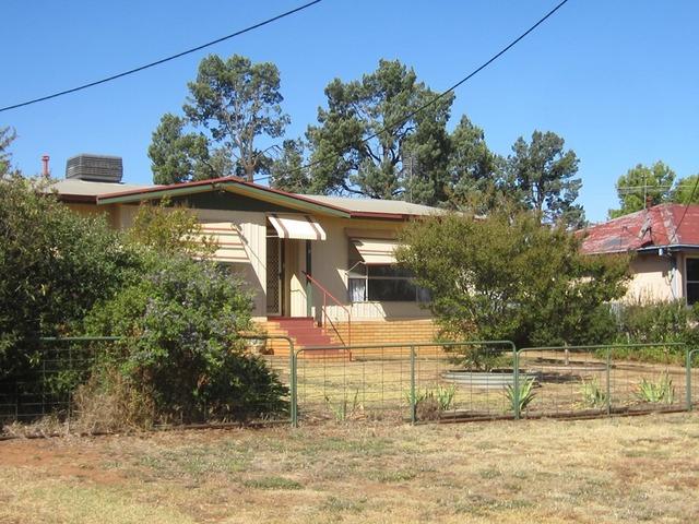 11 Mimosa Street, Coolamon NSW 2701