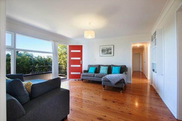 10 Buckland Street, Mollymook NSW 2539