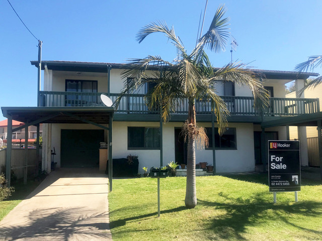 4 Cook Avenue, Surf Beach NSW 2536