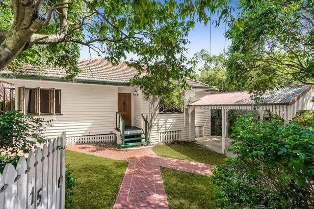 15 Navy Street, QLD 4121